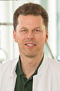 Herr Dr. med. Stephan Bouschery
