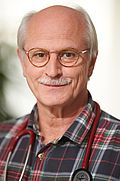 Herr Dr. med. Wolfgang Ernst