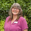 Frau Stolle, Verwaltung