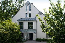 Gebäudeansicht KfH-Nierenzentrum Oberschleißheim